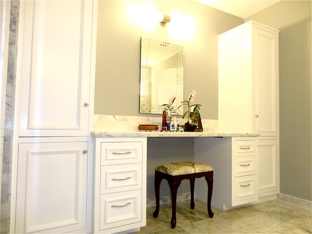Custom Bathroom Vanity Make-up table