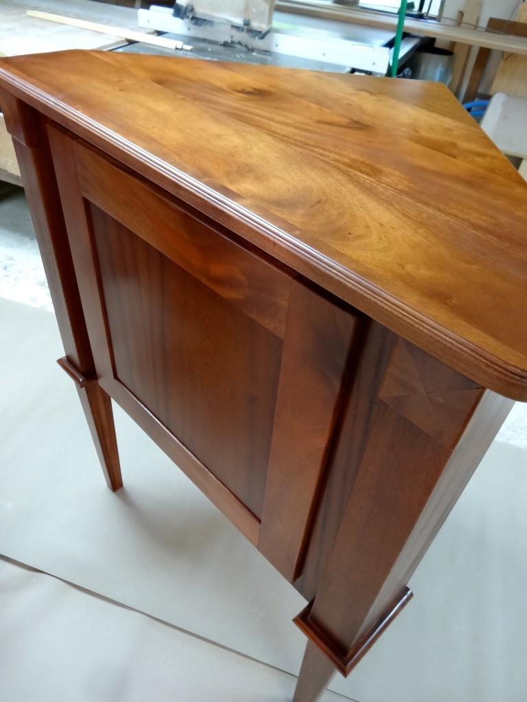 Dining Linen corner cabinet