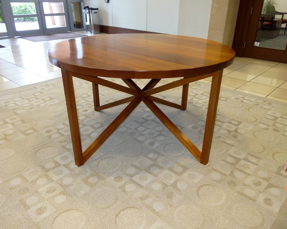 Rich Mahogany Round Table - triangle base