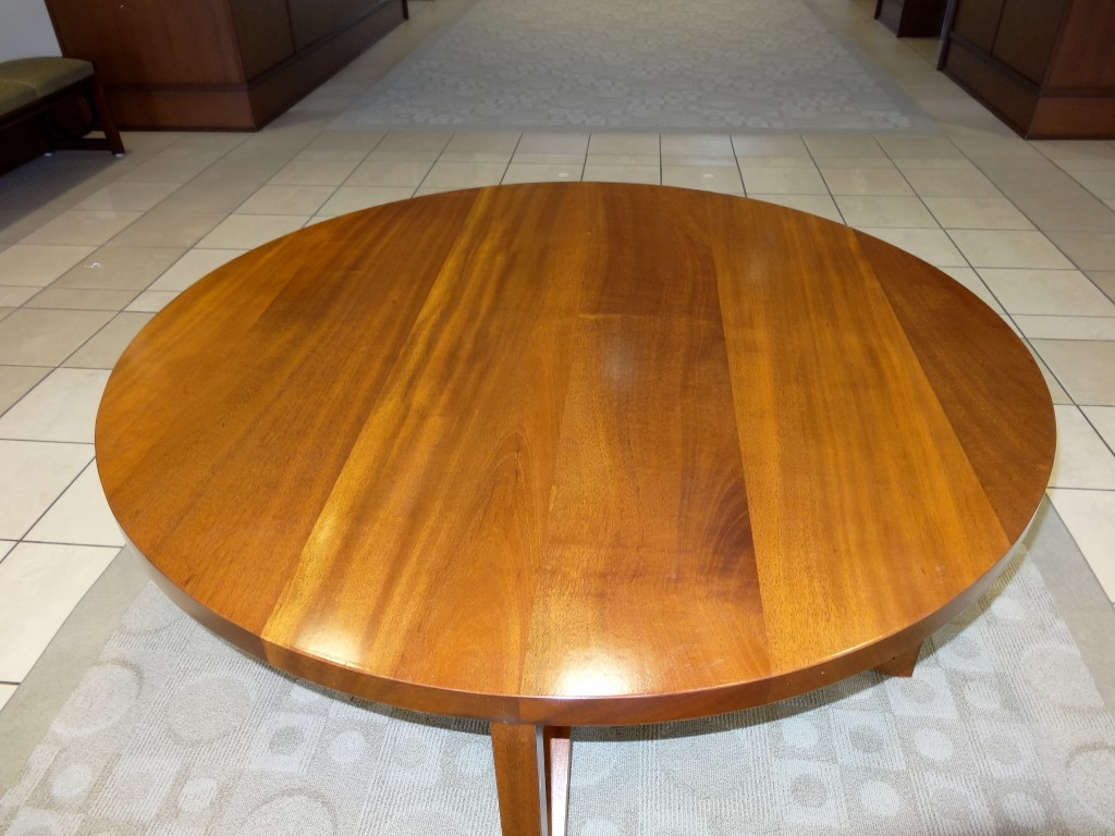 A Round Lobby Table for floral arrangement