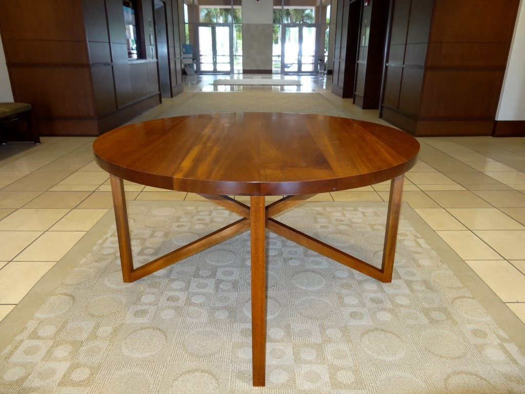 Solid Mahogany Commercial Mall Lobby Table