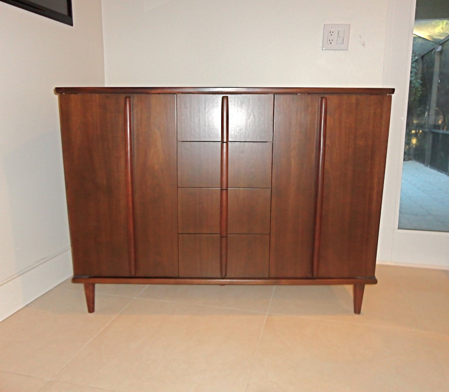 Tapered-side-liquer-cabinet